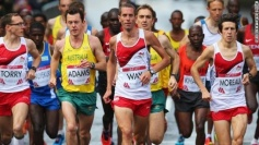 Steve Way leading the 2014 Glasgow Commonwealth Games at the one mile mark